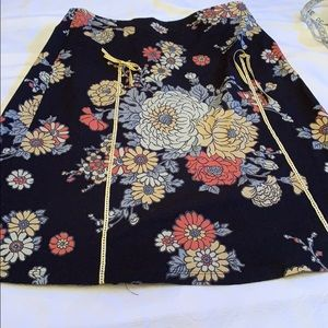 Lily skirt black with flowers size small